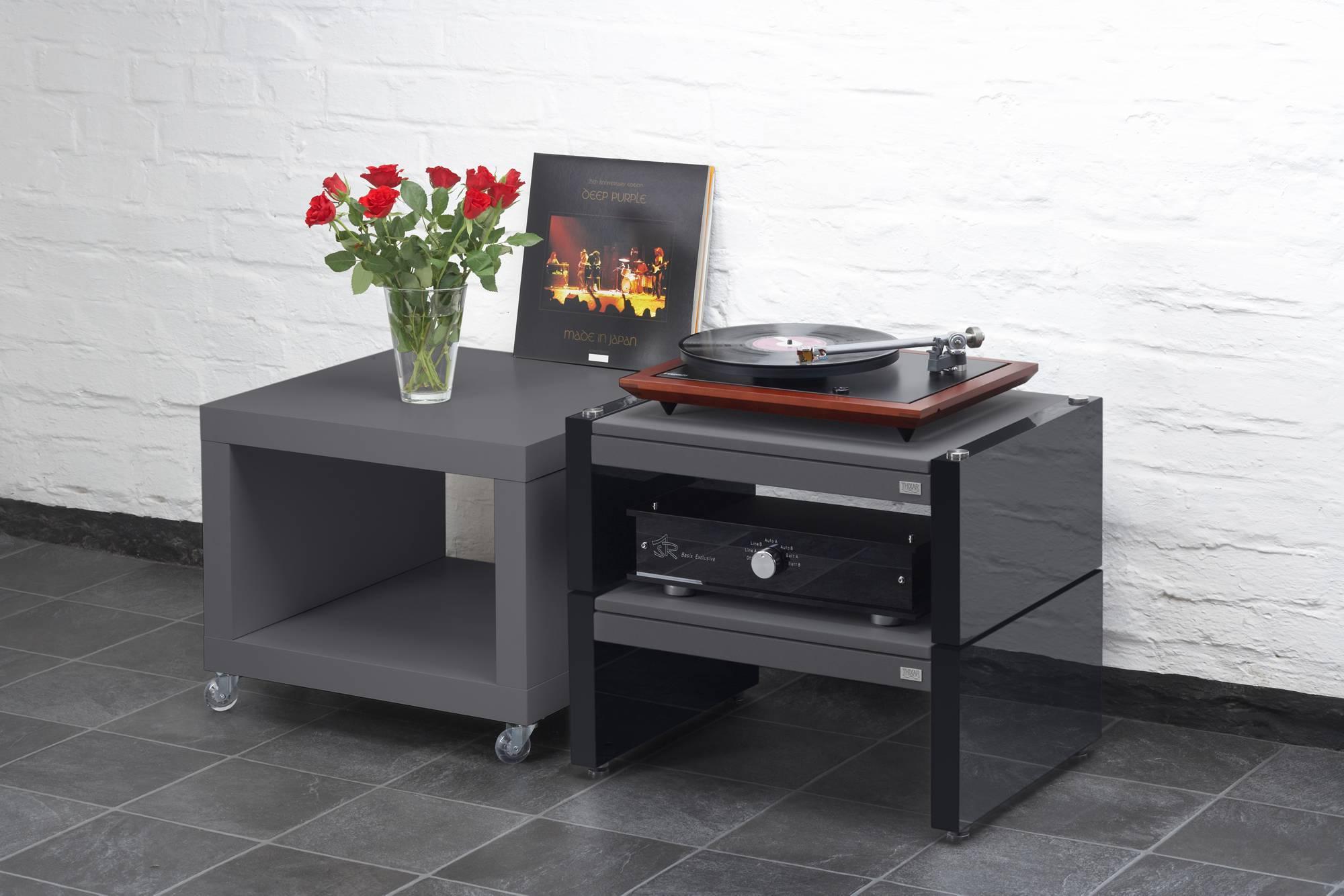 smd ultimate hifi rack thixar. Black Bedroom Furniture Sets. Home Design Ideas